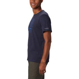 Columbia Bluff Mesa Graphic Camiseta Hombre, collegiate navy csc wireframe
